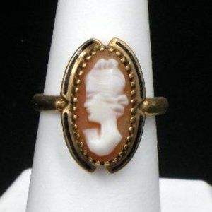 Antique 10kt Gold Shell Cameo Ring with Enamel